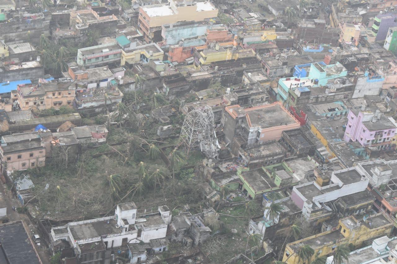 काही दिवसांपासून देशामध्ये फानी चक्रीवादळाने थैमान घातलं आहे. त्यात ओडिशा, आंध्र प्रदेश अशा अनेक राज्यांमध्ये शहरांचं मोठं नुकसान झालं आहे. चक्रीवादळामुळे मोठं आर्थिक नुकसान झालं आहे.