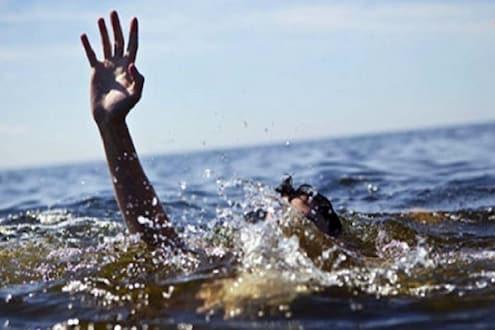 गणेश विसर्जनासाठी नदीपात्रात उतरलेल्या चार भाविकांचा बुडून मृत्यू