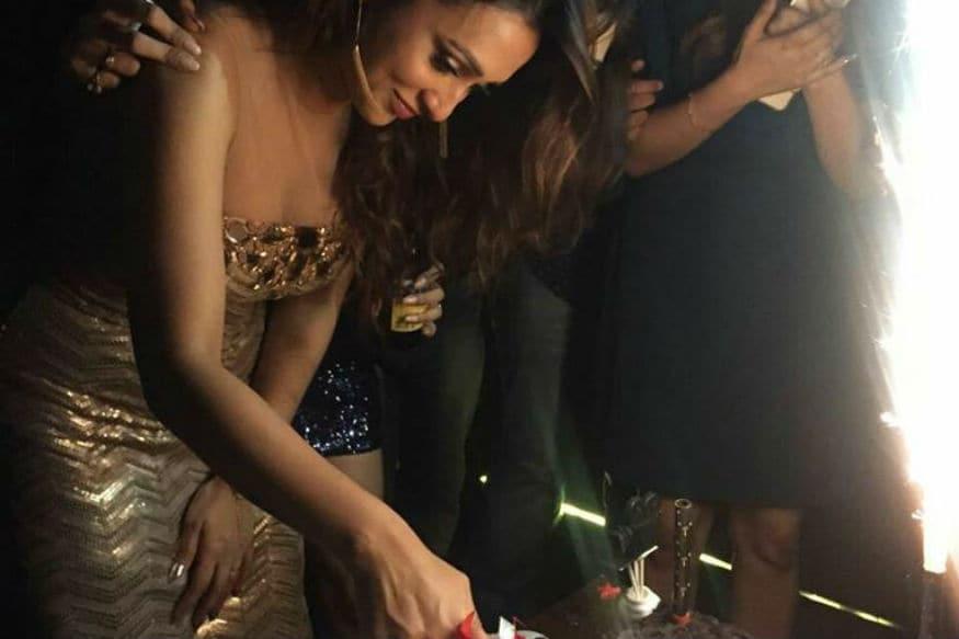मिस इंडियामध्ये देखील मिमी यांनी सहभाग घेतला होता. अभिनयाची सुरूवात त्यांनी सीरियलपासून केली.