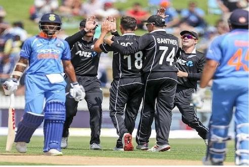 World Cup : ...तर विराटनं आम्हाला हरवून दाखवावे, न्युझीलंडच्या 'या' खेळाडूचे भारताला चॅलेंज