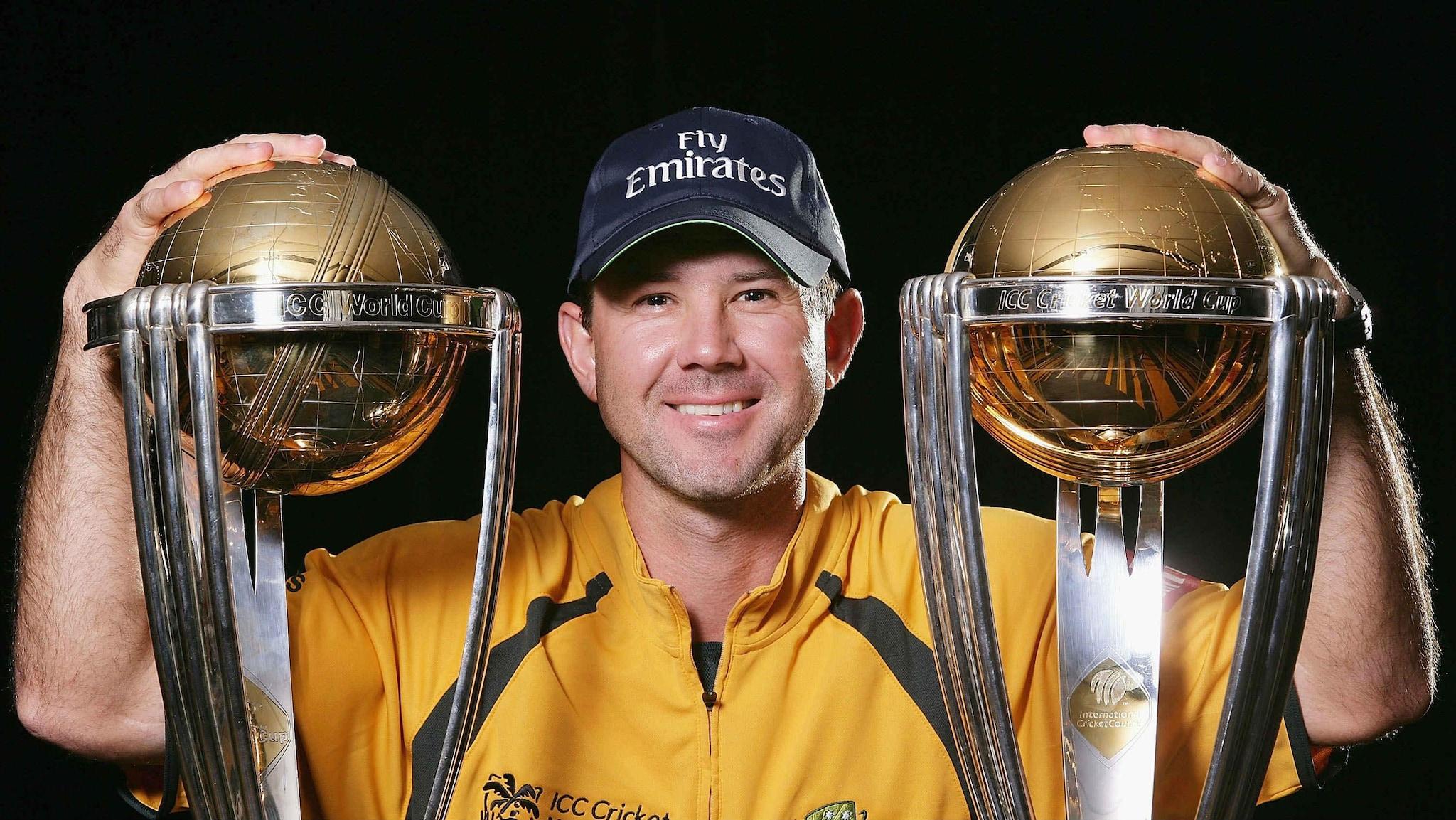 सलग 3 वर्ल्ड कप जिंकण्याचा विक्रम ऑस्ट्रेलियाच्या नावावर आहे. त्याशिवाय सर्वाधिक 5 वर्ल्ड कपही त्यांनी जिंकले आहेत.