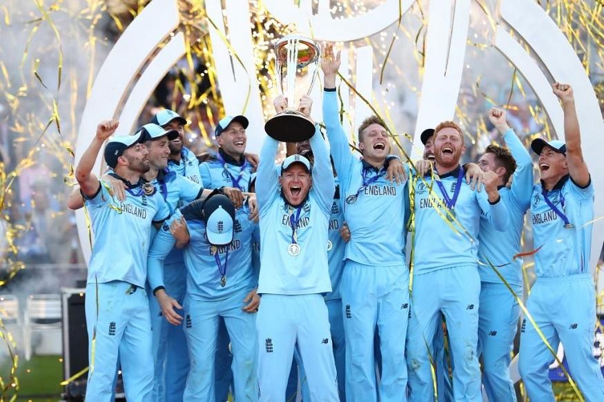 ICC Cricket World Cupमध्ये यजमानपद भुषवलेल्या इंग्लंडनं पहिल्यांदा वर्ल्ड चॅम्पियन होण्याचा मान मिळवला. अगदी अटीतटीच्या या सामन्यात इंग्लंडनं आयसीसीच्या वादग्रस्त नियमांमुळं विजय मिळवला. मात्र, या खेळाडूंपेक्षाही सध्या चर्चा होत आहे ती या खेळाडूंच्या पत्नींची.
