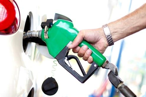 खूशखबर! पेट्रोल-डिझेलच्या दरात मोठी घसरण, 'हे' आहेत सोमवारचे दर