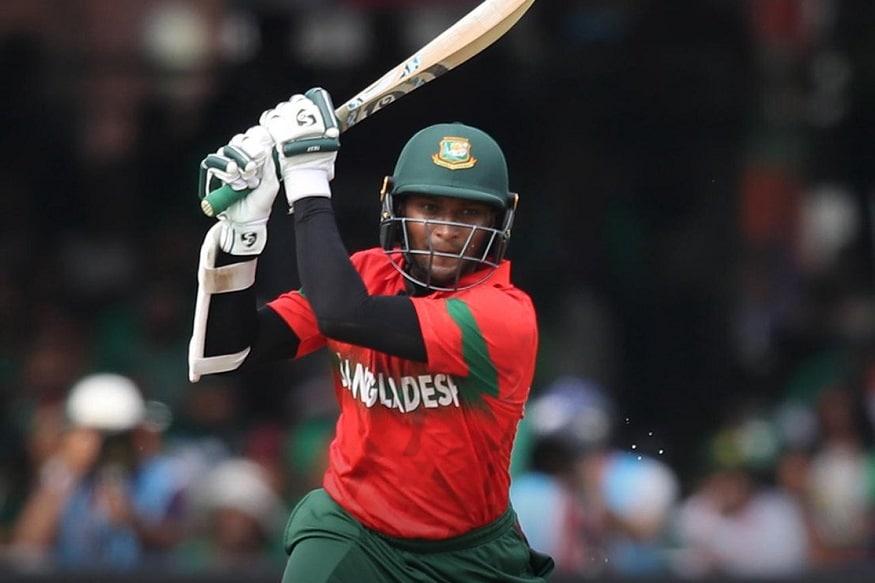 बांगलादेशचा अष्टपैलू खेळाडू शाकिब अल हसनने आयसीसी क्रिकेट वर्ल्ड कपमध्ये फलंदाजीने सर्वांची मने जिंकली. त्याने शेवटच्या सामन्यात आपल्या खेळीनं भारताचा मास्टर ब्लास्टरच्या विक्रमांशी बरोबरी केली.