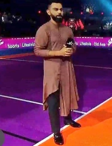 विराटने राहुल चौधरी आणि अजय ठाकूर हे आपले आवडते खेळाडू असल्याचे यावेळी सांगितले. तसेच, हे दोन्ही खेळाडू धोनीची कॉपी असल्याचे सांगितले.