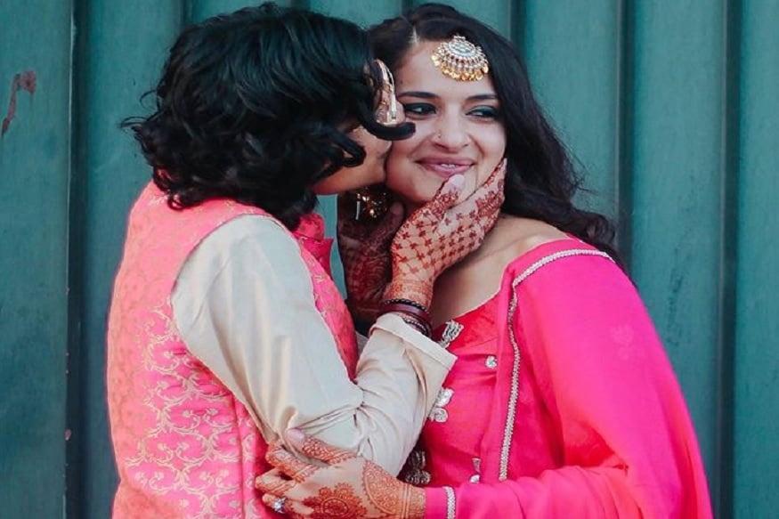 बियांका आणि सायनाने लग्नात घातलेल्या कपड्यांचीही सोशल मीडियावर तुफान चर्चा सुरू आहे.