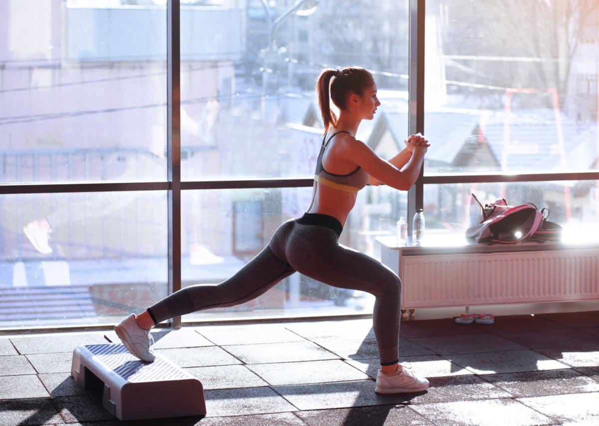 वाढतं वजन कमी करण्यासाठी लोक जीम, योग, डाएट अशा गोष्टींचा आधार घेतात. कितीही उपाय केले तर मनाप्रमाणे वजन कमी होत नाही. अशात जर तुम्हाला कमी वेळेत वजन कमी करायचं असेल तर आम्ही तुम्हाला एक रामबाण उपाय सांगणार आहोत.