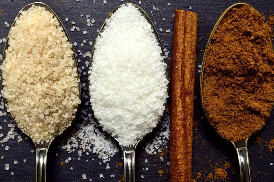 साखर, मीठ, मैदा खाऊ नका - या तिन्ही पदार्थांचं मर्यादित सेवन करावं. पॅकेटबंद पदार्थांमध्ये यांचाच समावेश असतो, त्यामुळे असा पदार्थांचं सेवन कमी करावं.