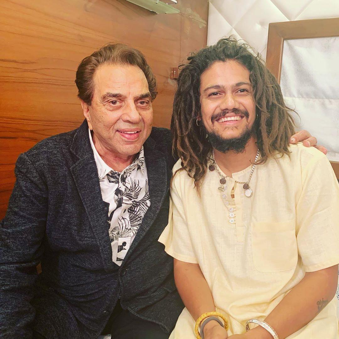 मुंबईमध्ये जेव्हा तो सनी देओलला भेटला त्यावेळी त्यानं मेरा भोला हैं भंडारी गाणं गायलं. त्यानंतर त्याला 'पल पल दिल के पास'मध्ये 'आधा भी है ज्यादा' हे गाणं गाण्याची संधी मिळाली.