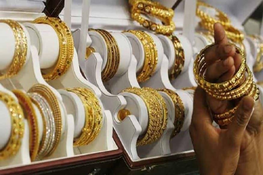 सोन्याचे दर वाढले तर चांदीची घसरण सुरूच, खरेदीआधी जाणून घ्या आजचे भाव