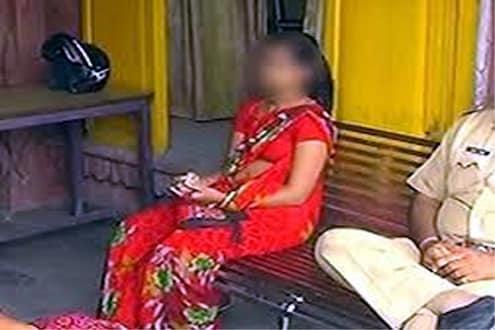 धक्कादायक.. लाच म्हणून पोलिसांनी शरीर सुखासाठी केली चक्क तीन मुलींची मागणी