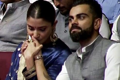 VIDEO : अनुष्का शर्माने सगळ्या टीमच्या समोर विराटचा हात हातात घेऊन घेतलं चुंबन, विराटची रिअॅक्शन तर पाहा...