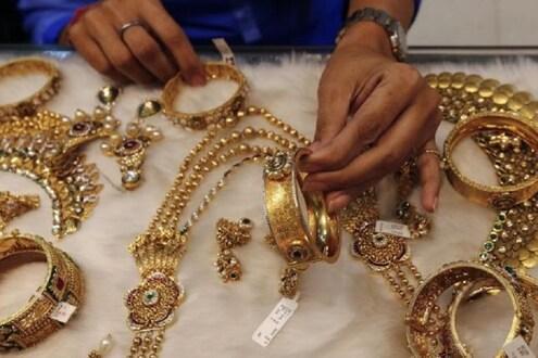 लागोपाठ दुसऱ्या दिवशी सोनं-चांदी झालं स्वस्त, 'हे' आहेत बुधवारचे दर