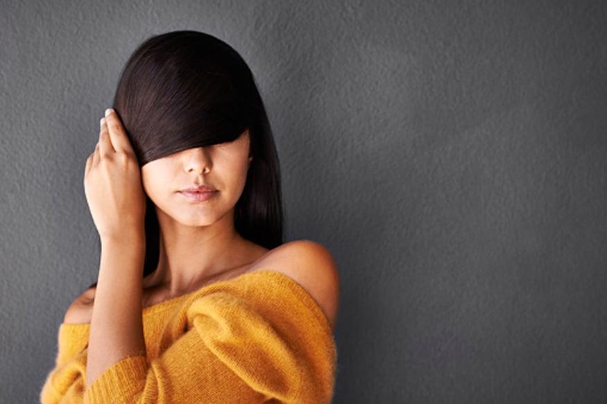 केस विंचरताना ते ताणू नका.केसांसाठी इलेक्ट्रॉनिक मशीनचा वापर जास्त करू नका.