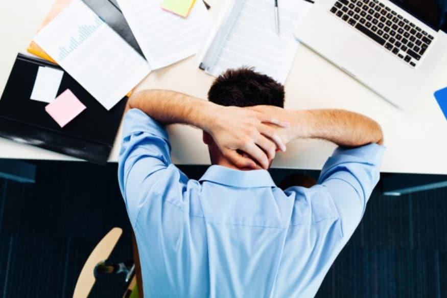 संशोधकांनुसार, ज्यांना अपुरी झोप मिळाली किंवा रात्रीची झोप घेता आली नाही त्यांचे डीएनए इतरांच्या मानाने कमकूवत होते. त्यामुळे नाइट शिफ्टमध्ये अनेक काळ काम केल्याने अनेक गंभीर समस्यांना तोंड द्यावं लागतं