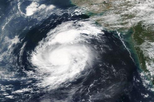 Cyclone MAHA : पुढचे 3 दिवस पावसाचे, किनारपट्टीला धोका; 'या' दिवशी धडकणार महा चक्रीवादळ