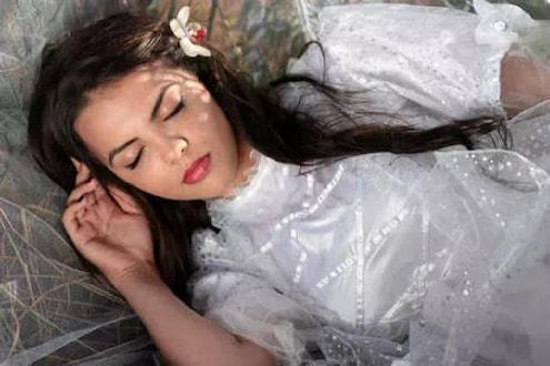 ताण दूर करण्यासाठी घ्या शांत झोप, बुद्धीला मिळेल चालना- रिसर्च
