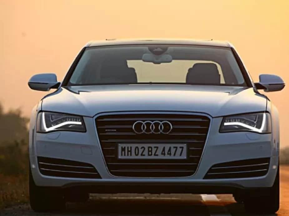 कारच्या या कलेक्शनमध्ये ऑडी कंपनीची Audi A8L या कारचा समावेश आहे. 1 कोटी 87 लाख रुपये किंमतीची ही कार A8 चे लॉन्ग व्हील बेस व्हर्जन आहे.