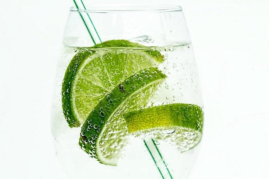 ताजी लिंब घेऊन ती स्वच्छ पाण्याने चांगली धुवून घ्या.