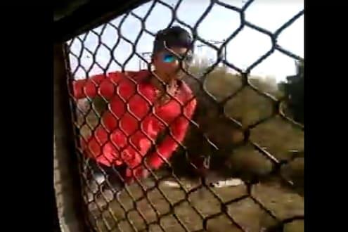 धावत्या लोकलमध्ये स्टंटबाजी बेतली जीवावर, पाहा 20 वर्षीय तरुणाच्या मृत्यूचा थरारक VIDEO