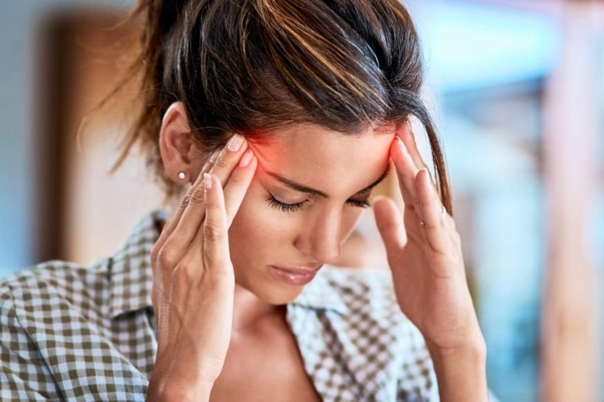 मायग्रेनची समस्या असलेल्यांनीही काजू खाऊ नये. काजूमध्ये भरपूर प्रमाणात अॅसिड असतं, ज्यामुळे डोकेदुखी अधिक वाढते.