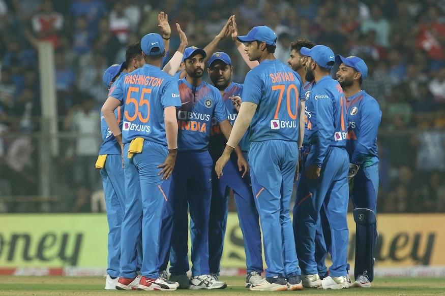 भारतीय संघातील काही खेळाडू सध्या सततच्या क्रिकेटला कंटाळले आहेत. याबाबत कर्णधार विराट कोहलीने यावर चिंता व्यक्त करत लवकरच निवृत्ती घेणार असल्याचे सांगितले होते. मात्र फक्त विराटचं नाही तर काही खेळाडू वाढत्या वयामुळं आणि दुखापतीमुळे निवृत्ती घेऊ शकतात.