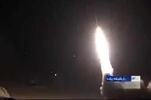 युद्धाचा भडका! अमेरिकन लष्करी तळांवर इराणचा क्षेपणास्त्र हल्ला