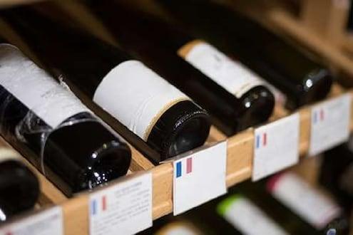 अंतराळात पाठवल्या गेल्या फ्रेंच वाइनच्या 12 बाटल्या, काय आहे याचे रहस्य?
