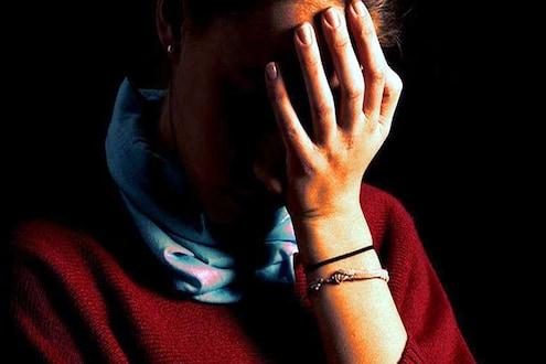62 वर्षीय वॉचमनचा मुलीवर बलात्कार, पीडिता गरोदर झाल्यानंतर समोर आला धक्कादायक प्रकार