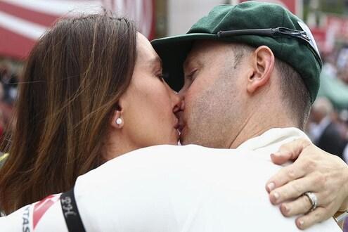 लग्नाच्या 7 वर्षानंतर एका अफेअरमुळे तुटला क्रिकेटपटूचा संसार! पत्नीला द्यावे लागणार 192 कोटी