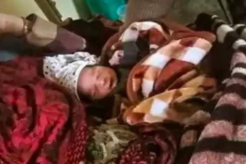 Delhi Violence: गर्भवती महिलेच्या पोटावर जमावाने घातल्या लाथा, बाळाच्या जन्मानंतर आई म्हणाली...