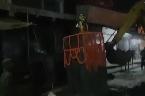 छत्रपती शिवाजी महाराजांचा पुतळा हटवल्यानं राजकीय वादळ; भाजपने थेट ठाकरेंना विचारले प्रश्न