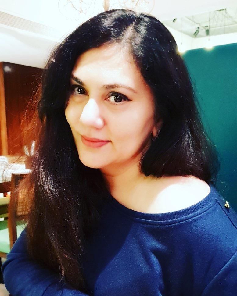 दीपिका सोशल मीडियावर बरीच सक्रिय आहे. ती नेहमीच इन्स्टाग्रामवर तिचे फोटो शेअर करताना दिसते. मागच्या वर्षी रिलीज झालेल्या बाला सिनेमात दीपिकानं यामी गौतमच्या आईची भूमिका साकारली होती.