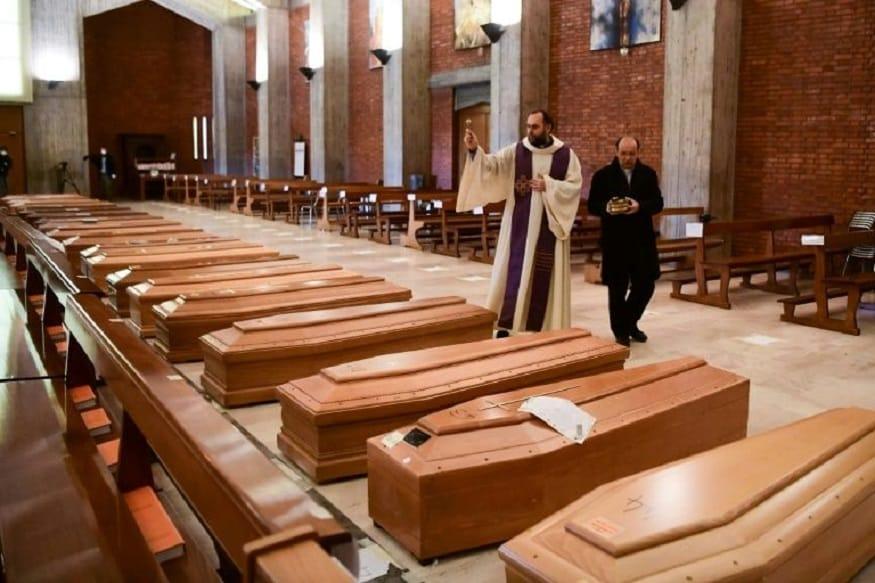 इटली - आतापर्यंत 1,01,739 लोकांना लागण आणि 11,591 मृत्यू. या देशाने कोरोनाचं सर्वांत धोकादायक रूप पाहिलं आहे. आतापर्यंत सर्वाधिक मृत्यूचं प्रमाण याच देशात आहे.