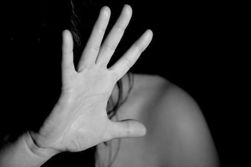 विवस्त्र करून मारहाणीचा VIDEO केल्याच्या प्रकरणाला नवं वळण, पोलिसांनी केला धक्कादायक दावा