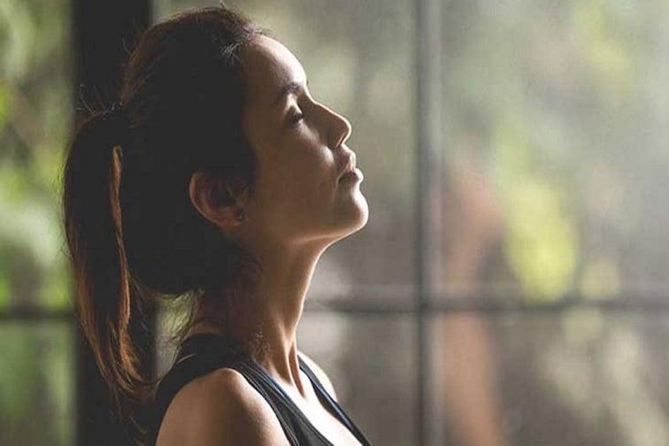 '10 सेकंद श्वास रोखलात तर तुम्हाला कोरोना नाही', सेल्फ टेस्टबाबत Fact Check
