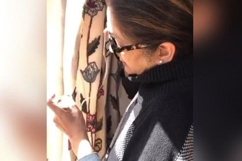 VIDEO : सेल्फ क्वारंटाईनमध्ये आहे अभिनेत्री, टेलर मिळाला नाही तर स्वतःच शिवले पडदे