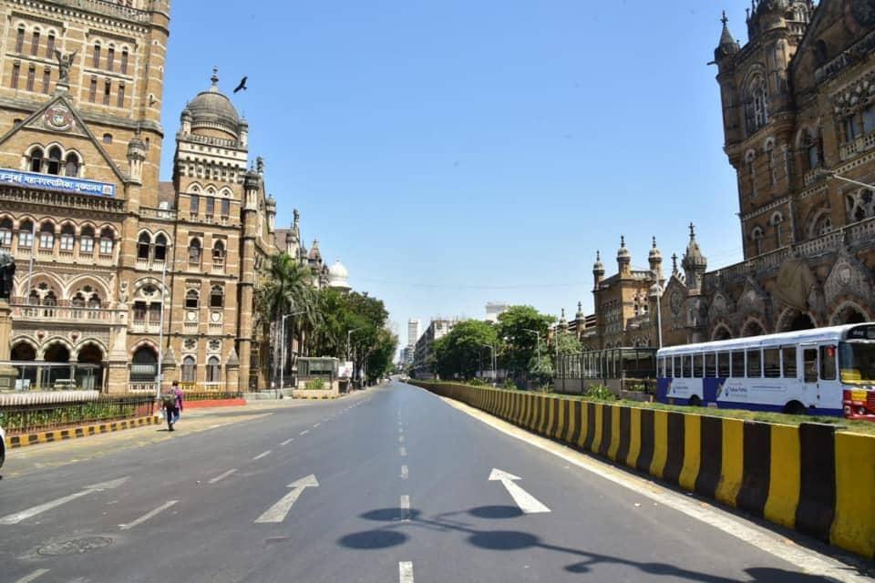 सध्या मुंबईचं एक वेगळं चित्र सर्वांना पाहायला मिळत आहे.