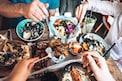 तुम्हीदेखील जेवणाच्या ताटातील स्वीट डीश सर्वात शेवटी खाता का? होतील गंभीर परिणाम