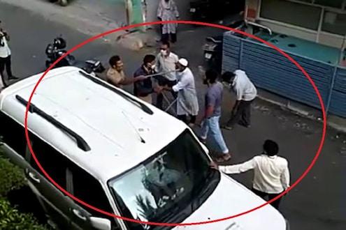 घरी जा म्हणणाऱ्या पोलिसावर उगारलं दांडकं, पिंपरी चिंचवडमधला धक्कादायक प्रकाराचा VIDEO समोर