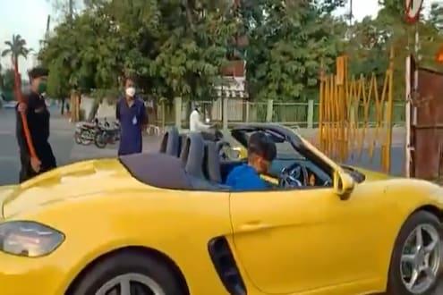 फरारी कारमधून फिरण्याचा शौक पडला महागात, पोलिसांनी अशी घडवली अद्दल, पाहा VIDEO