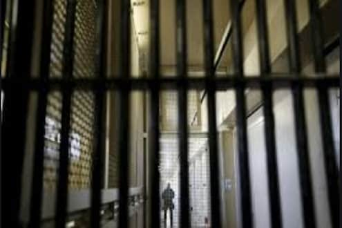 सर्वोच्च न्यायालयाच्या निर्देशांनुसार कोरोनाचा फैलाव रोखण्यासाठी तुरुंग प्रशासनाने उचललं पाऊल