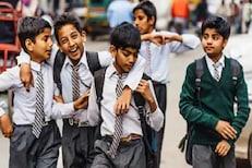 महाराष्ट्रातील शाळा कधी उघडणार? लॉकडाऊनच्या निर्णयानंतर हालचालींना वेग