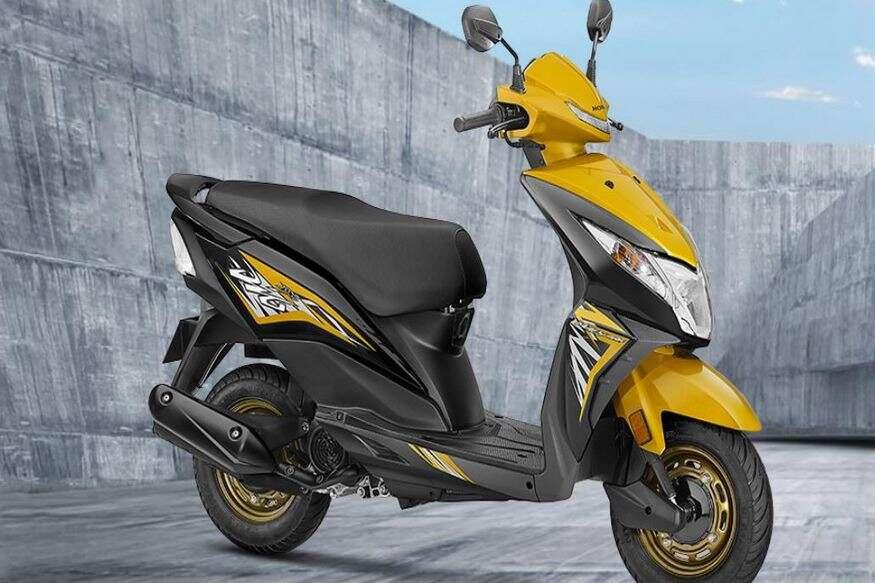Honda Dio - Honda Dio स्कूटरमध्ये BS6 इंजिन असून 109.19cc सिंगल सिलेंडर इंजन दिले आहे. यात 7000 Rpm वर 7.68 hp ची पावर आणि 5500 Rpm वर 8.79 Nm  टॉर्क जनरेट करतो. यात ब्रेकिंग सिस्टिमसाठी 130mm ड्रम ब्रेक दिले आहे.  X-शोरूम किंमत (दिल्ली) 60542 रुपये आहे.