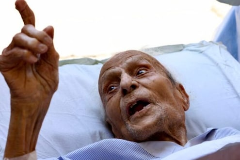 94 वर्षीय कवी गुलजार देहलवी यांची कोरोनावर मात, कलेक्टर म्हणाले...