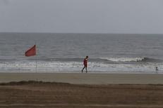 LIVE : मुंबईत दुपारी चक्रीवाद धडकणार, 110 KMPH वेगानं वारे वाहण्याची शक्यता