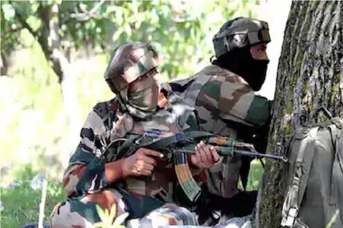 जम्मू-कश्मीरच्या कुलगामध्ये चकमक, सुरक्षा दलाने 1 दहशतवाद्याला केलं ठार