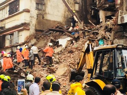 मुंबईत रहिवाशी इमारत कोसळली, मृतांची संख्या 9, ढिगाराखाली सापडली गरोदर महिला