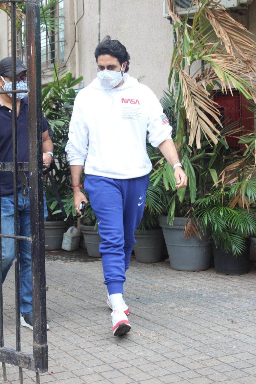 अभिषेक बच्चनने रुग्णालय सोडलं? सोशल मीडियावरील व्हायरल VIDEO मुळे चिंता वाढली