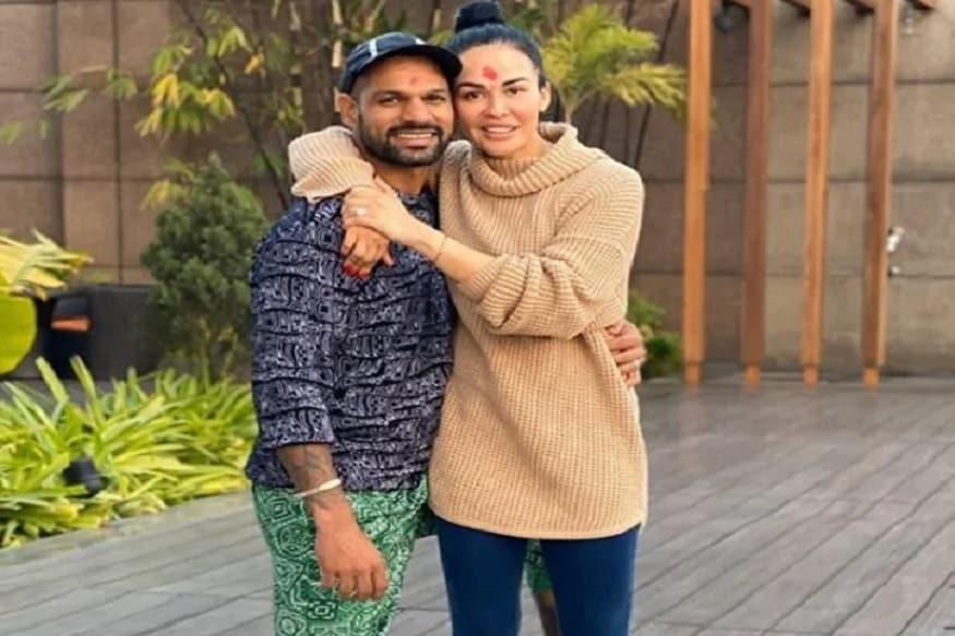 भारताचा क्रिकेटपटू शिखर धवनची पत्नी आयशा मुखर्जी स्वत: एक किक बॉक्सर आहे आणि आपल्या फिटनेससाठी ती याचीच मदत घेते.